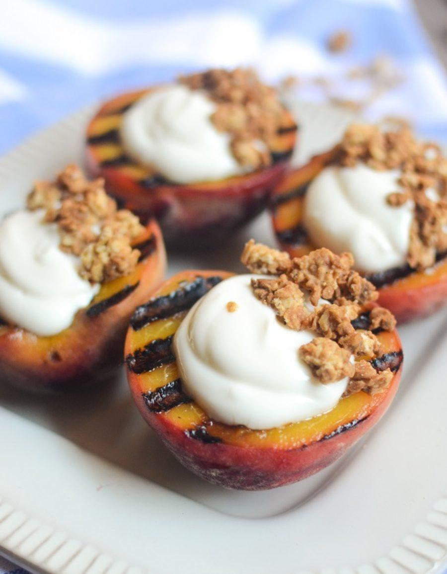 Grilled Peaches Vanilla Yogurt Hres