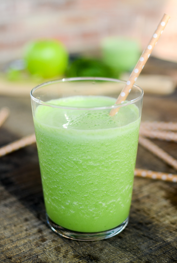 apple-cucumber-spinach-smoothie.jpg#asset:1819